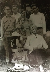 Oswald Raitt and family